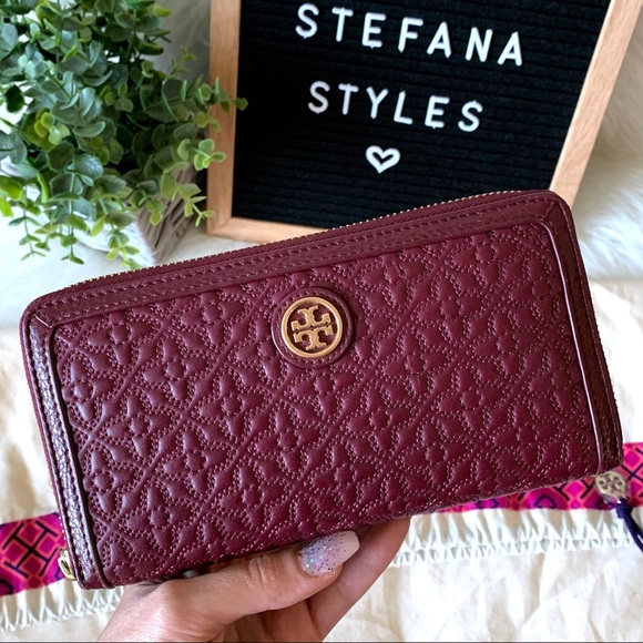 Tory Burch Handbags - Tory Burch Bryant Zip Quilted Leather Wallet